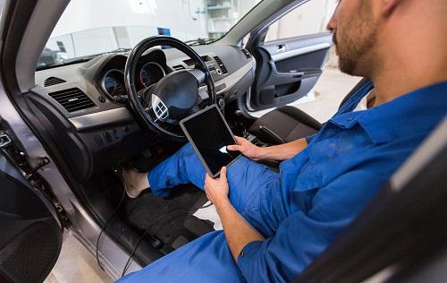 garage pour voiture de luxe à Paris